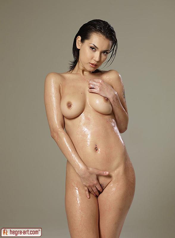 hot women small boobs flashing